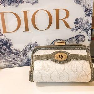 Auth. Dior Ultra Rare Ivory Kisslock Coin Purse